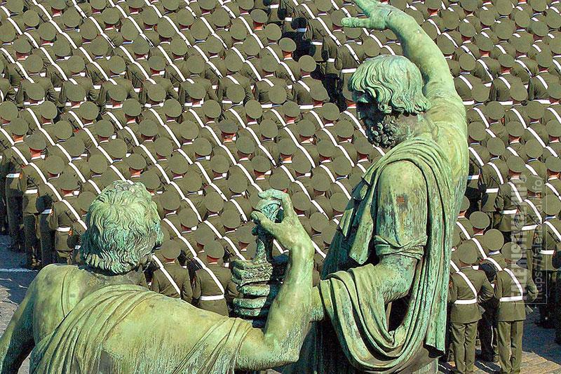 Парад Победы на Красной площади, май 2010 г. Вид с Покровского собора. Фото Андрея Лобанова