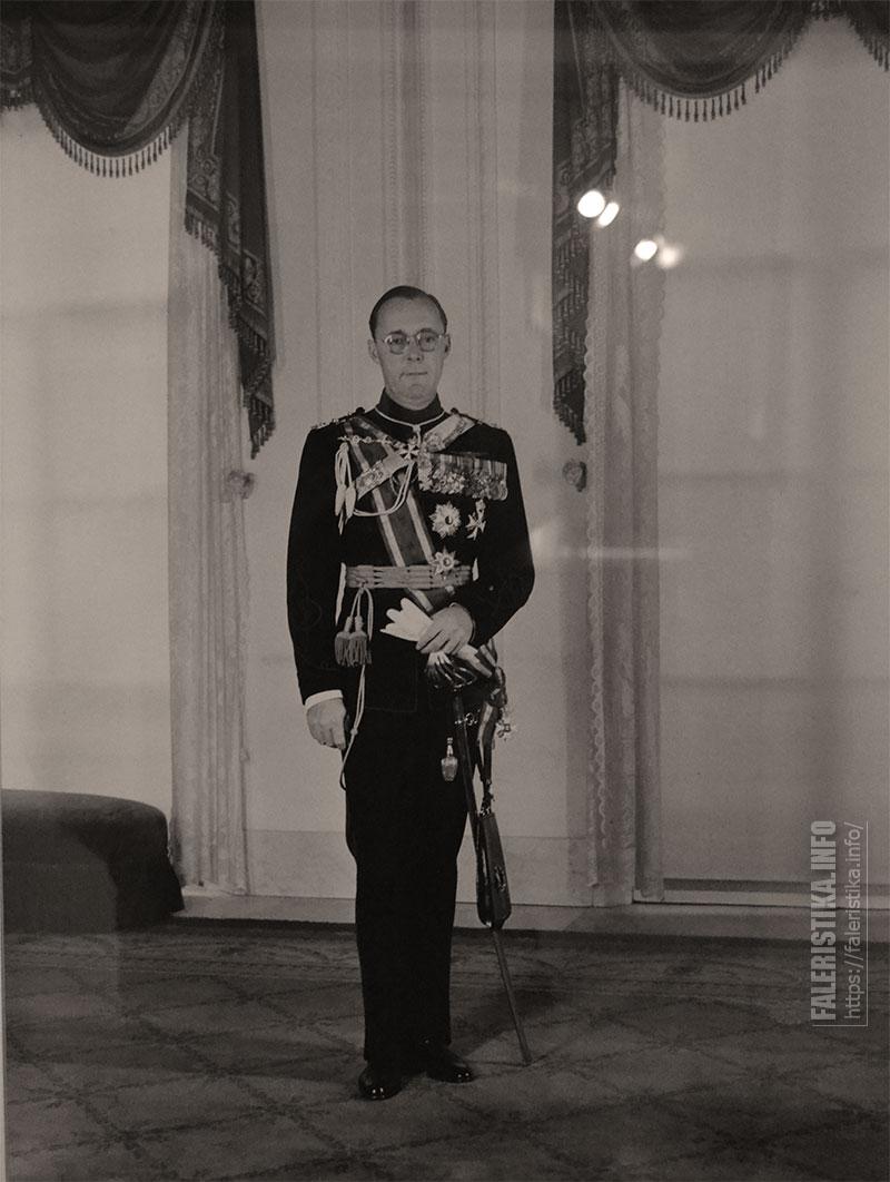 Принц Бернард Нидерландский (Bernhard Leopold Friedrich Eberhard Julius Kurt Karl Gottfried Peter Prinz zur Lippe-Biesterfeld), супруг королевы Нидерландов
