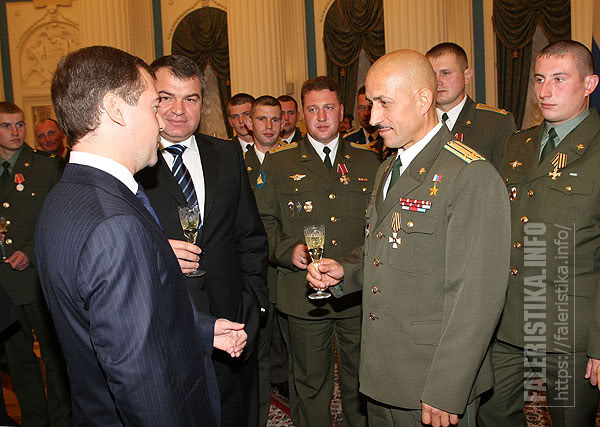 Подполковник Анатолий Лебедь награждён Орденом Святого Георгия IV степени. 1 октября 2008 года