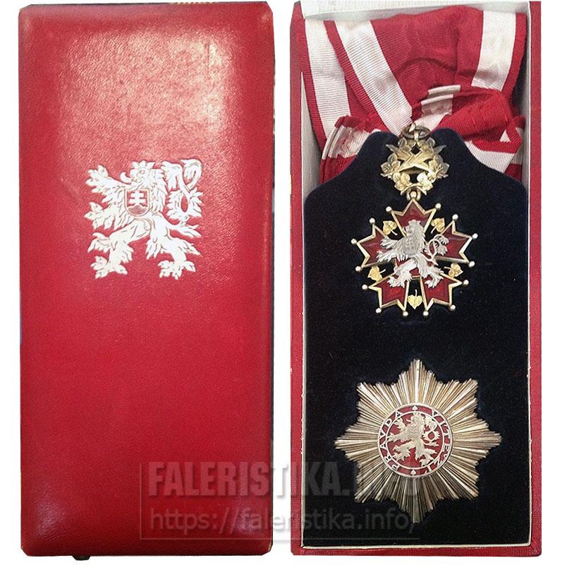Орден Белого льва. Знак ордена и звезда в футляре. Первая Чехословакия (1918-1938)