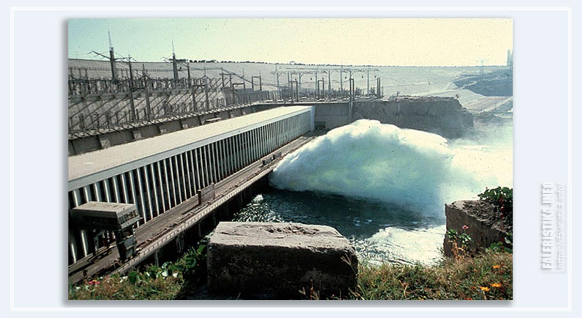 Асуанская плотина (фото из сети))