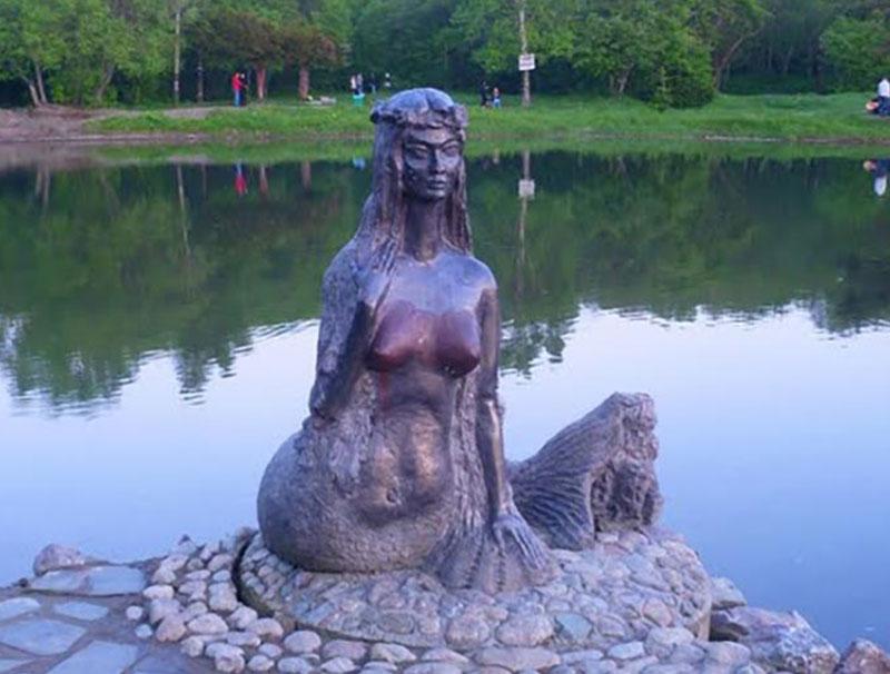 Русалка. Южно-Сахалинск. Парк Гагарина