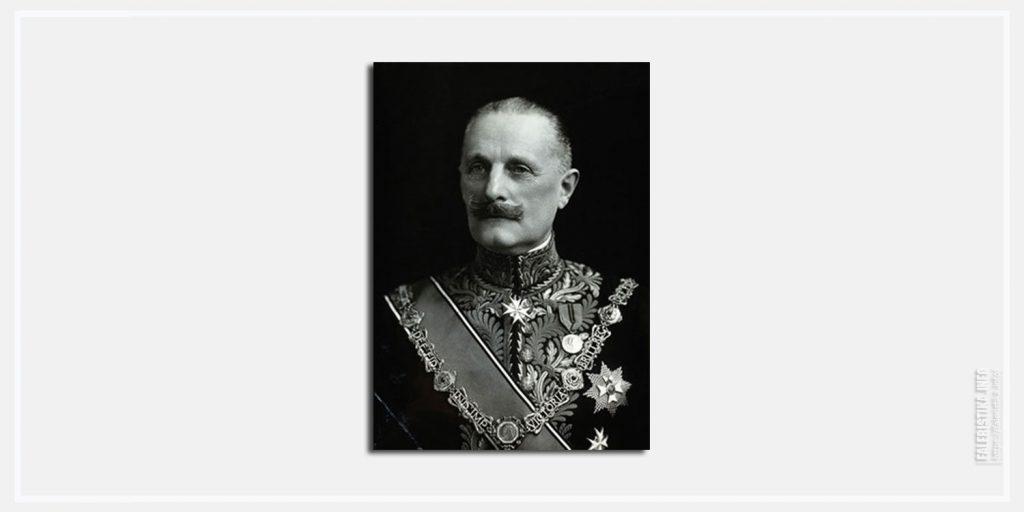 Сэр Нэвелок Чарльз. Пример ношения знаков Рыцаря Большого Креста Королевского Викторианского Ордена