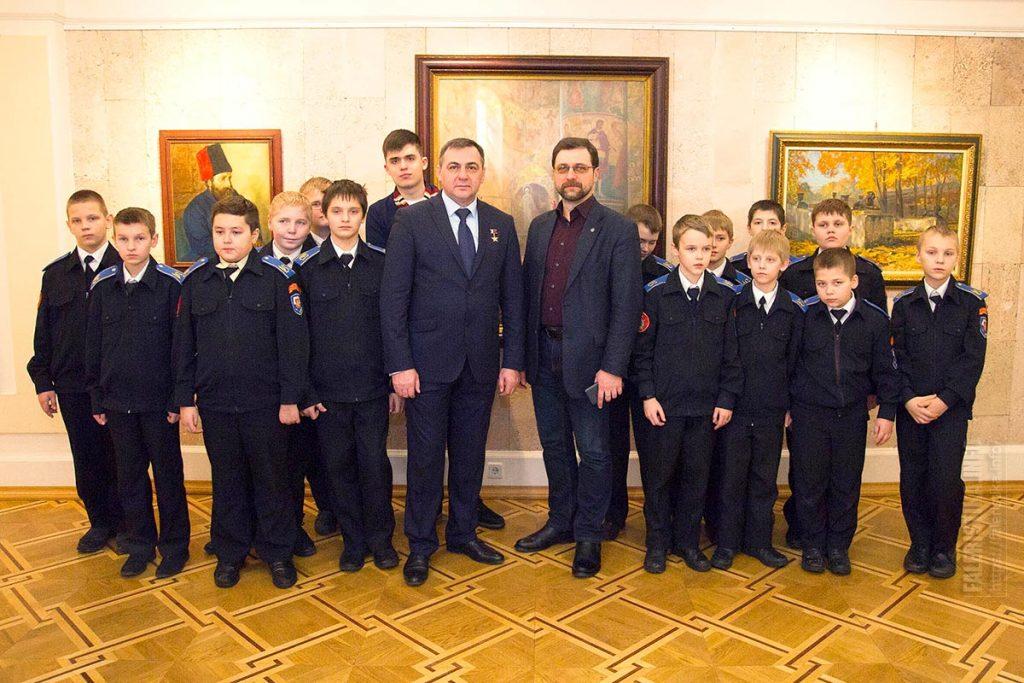 Павел Шевченко и Игорь Машков с группой кадетов