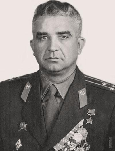 Иван Николаевич Банов (16 [29] августа 1916 — 9 февраля 1982) — советский разведчик, в годы Великой Отечественной войны один из организаторов партизанского движения в Белоруссии, командир партизанского соединения. Герой Советского Союза
