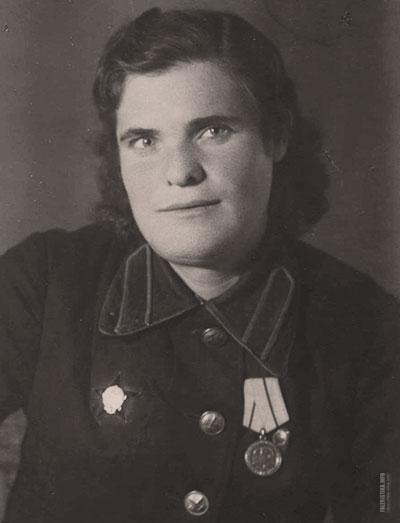 Ольга Ивановна Иванцова (1924—2001) — подпольщица Великой Отечественной войны, участница комсомольской антифашистской организации «Молодая гвардия»