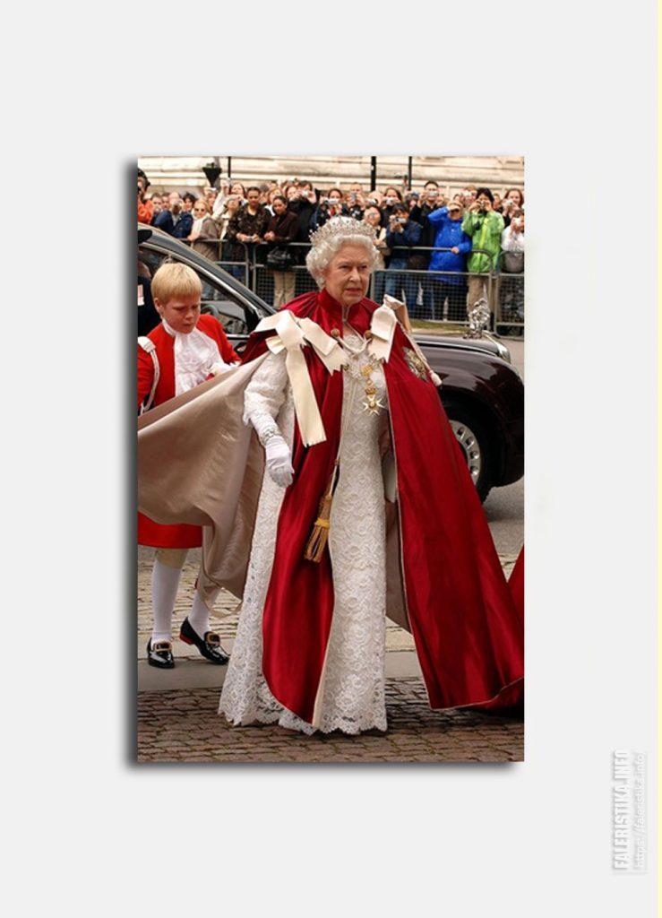 Её Величество Королева Елизавета II.  Орден Бани. Церемониальные одежды. Цепь, знак Суверена Ордена
